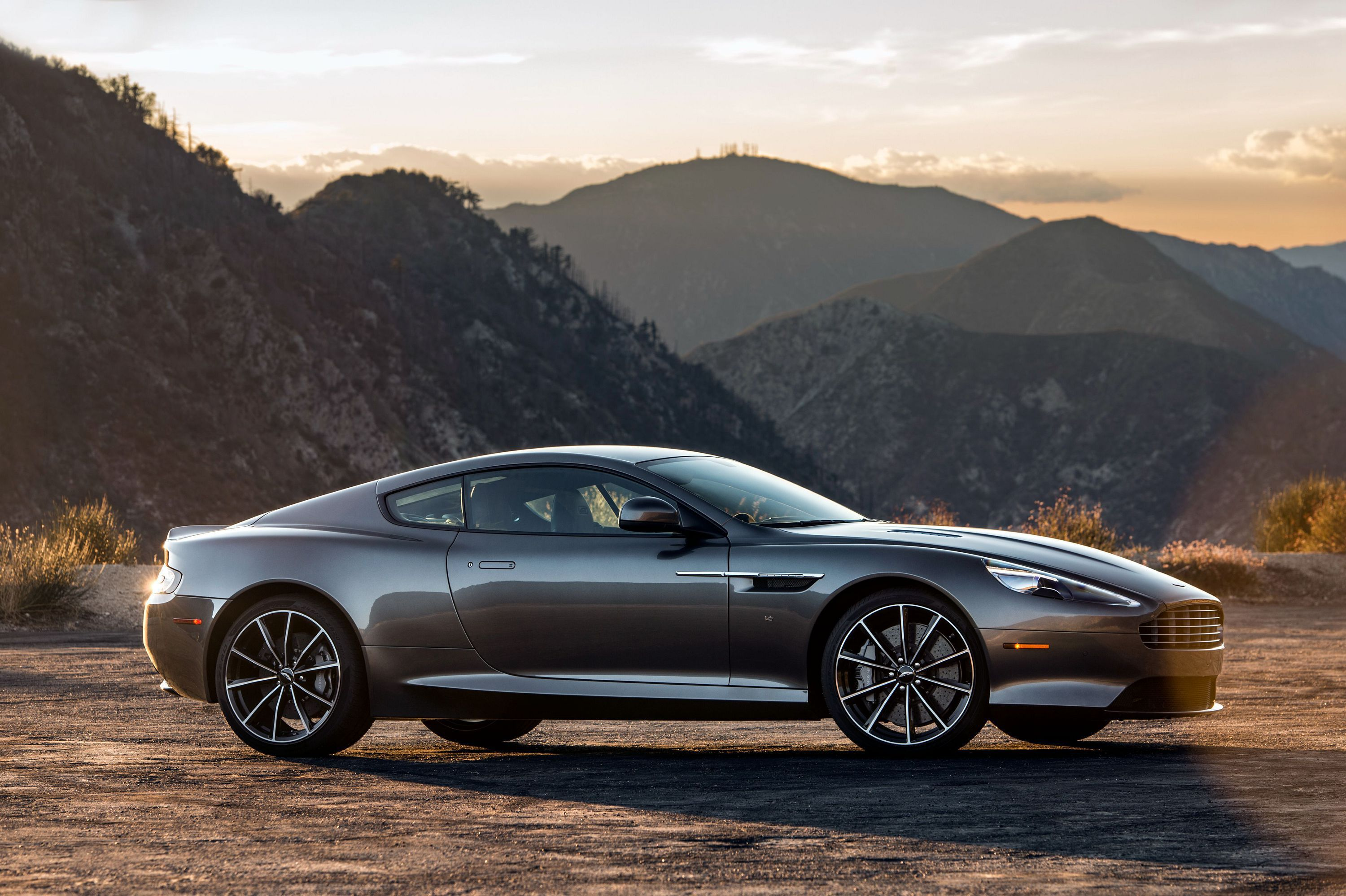 Aston Martin Db9 Desktop Wallpaper