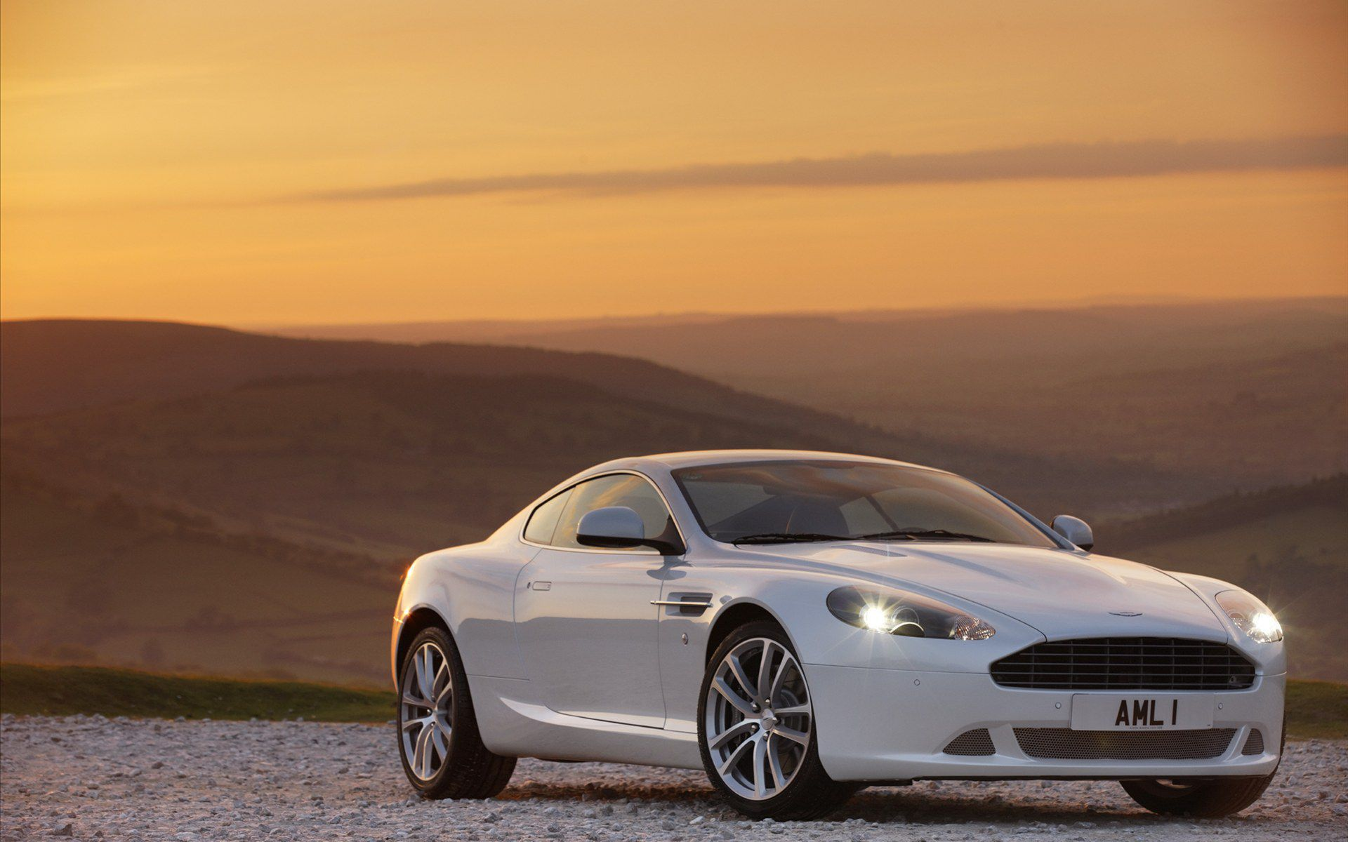Aston Martin Db9 High Quality Wallpapers