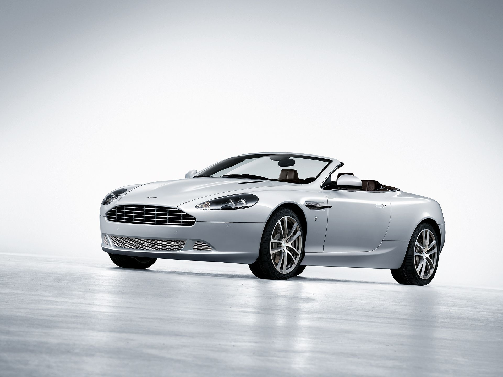Aston Martin Db9 Full HD
