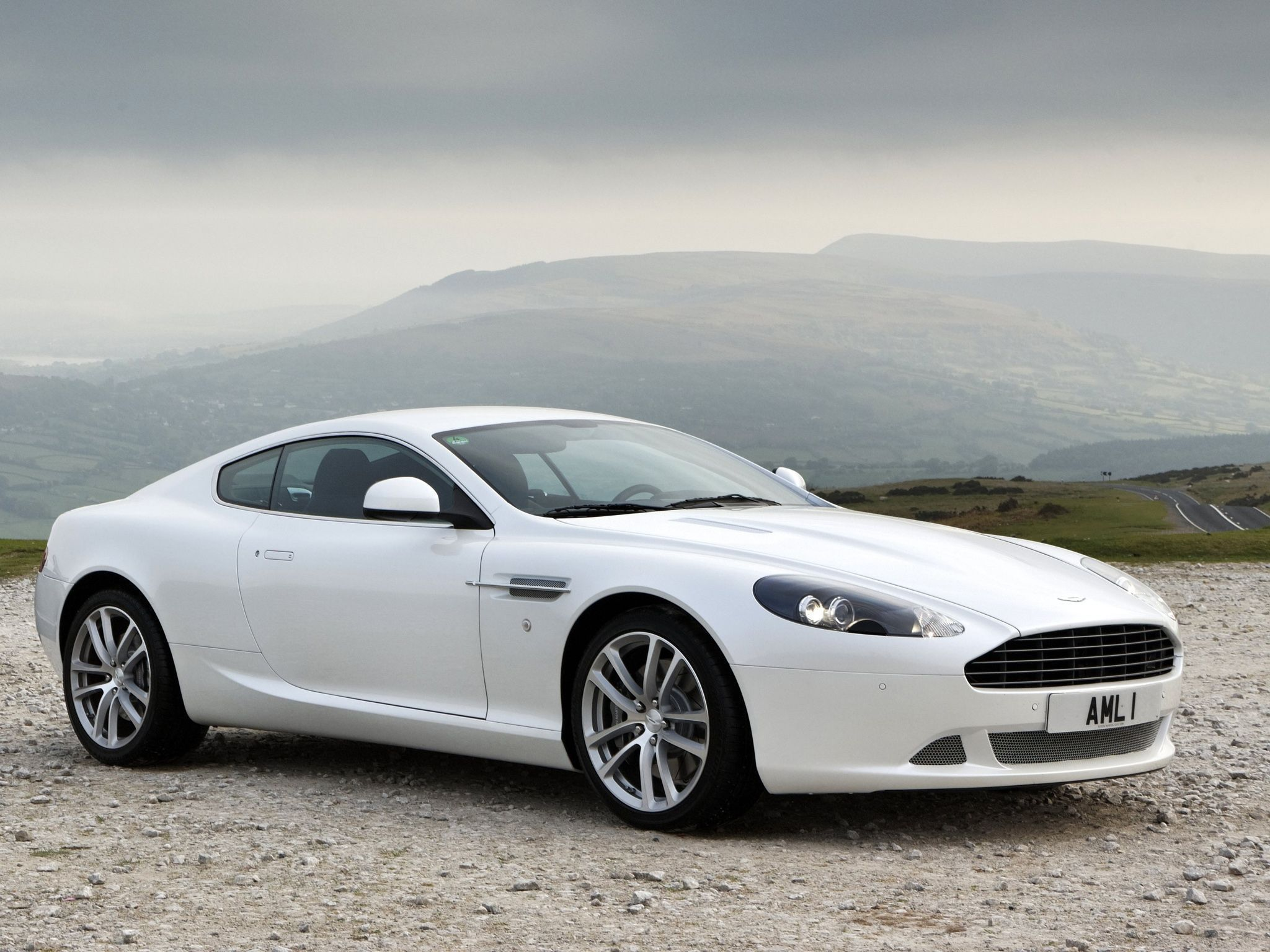Aston Martin Db9 Wallpaper Pack
