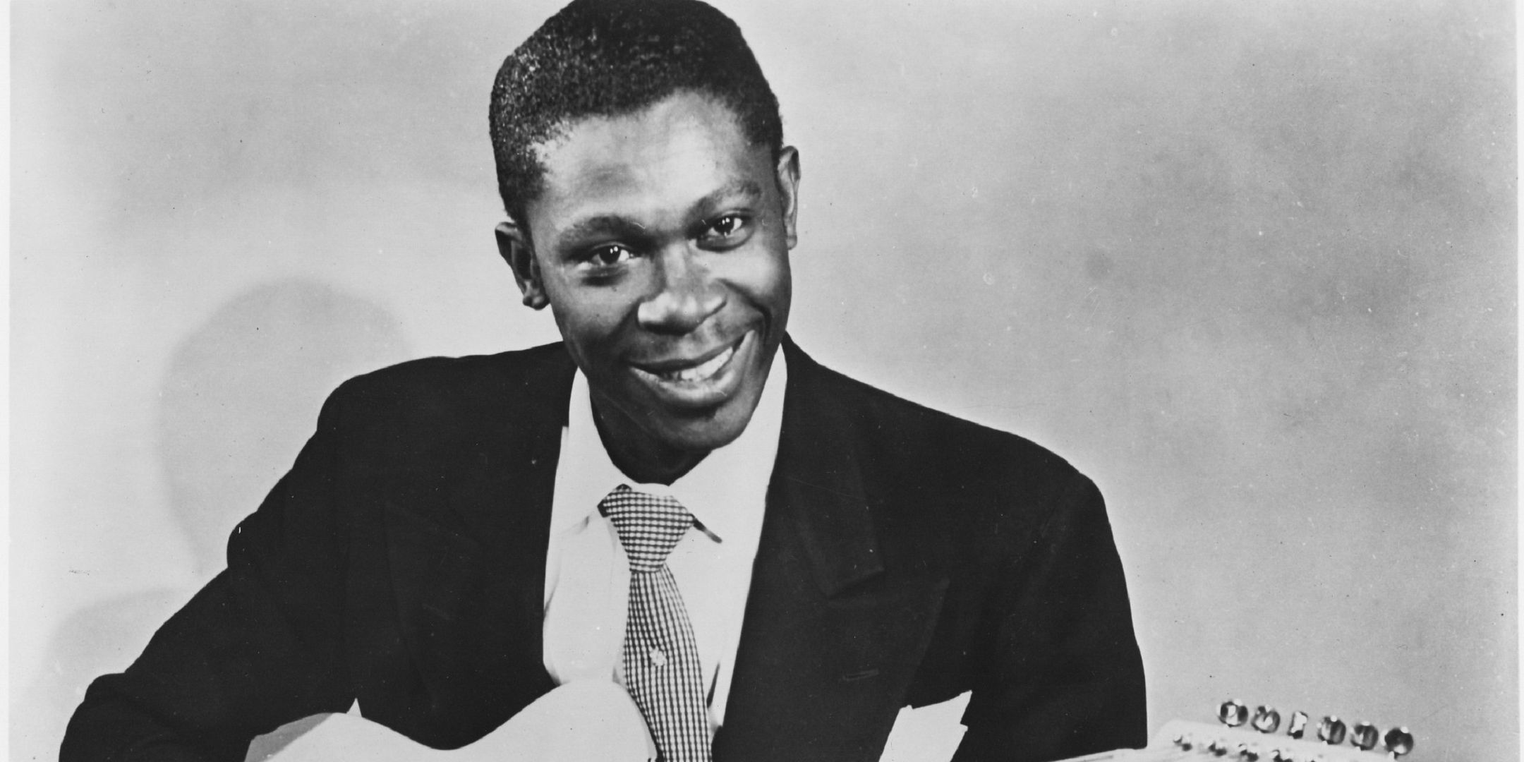 an biography of riley b king Riley b king better known as bb king was born on september 16th 1925 to a family of sharecropping farmers near a small town named itta bena in the mississippi delta.