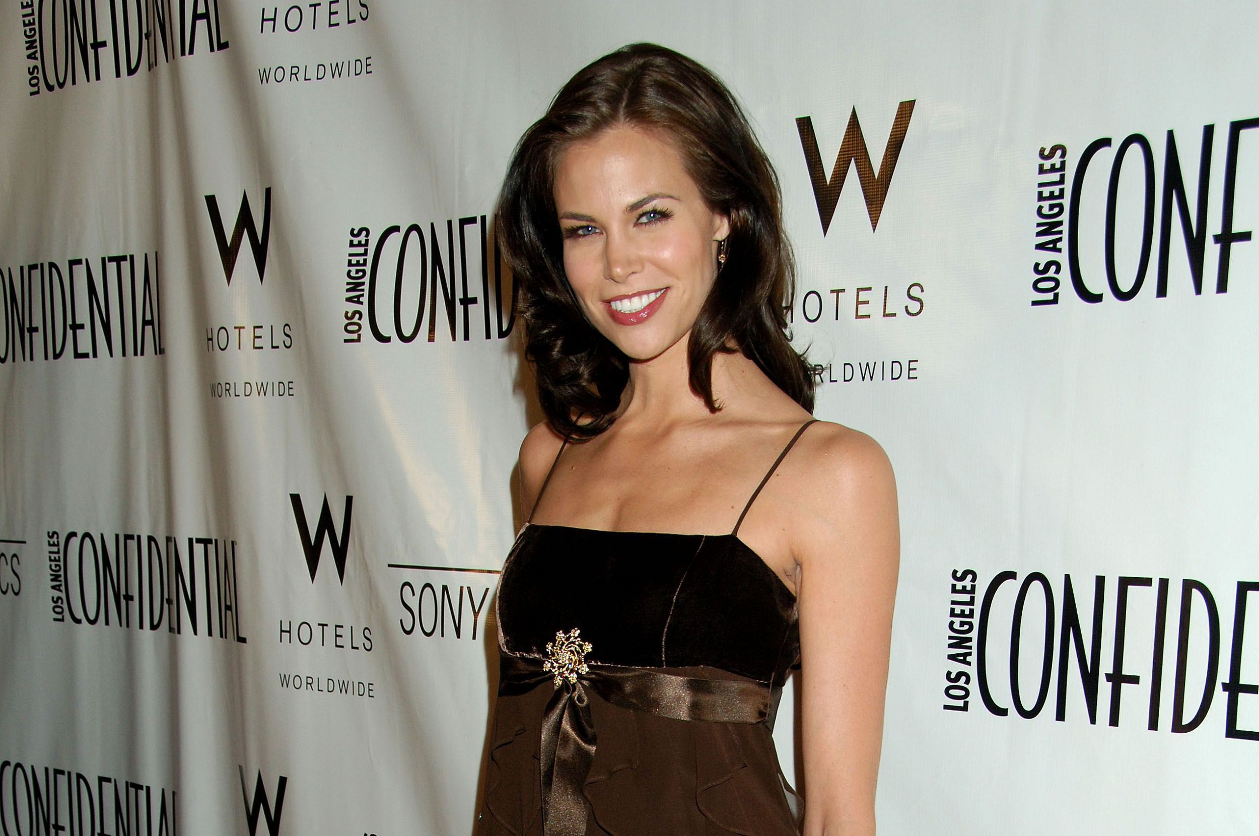 Brooke Burns HD Wallpaper