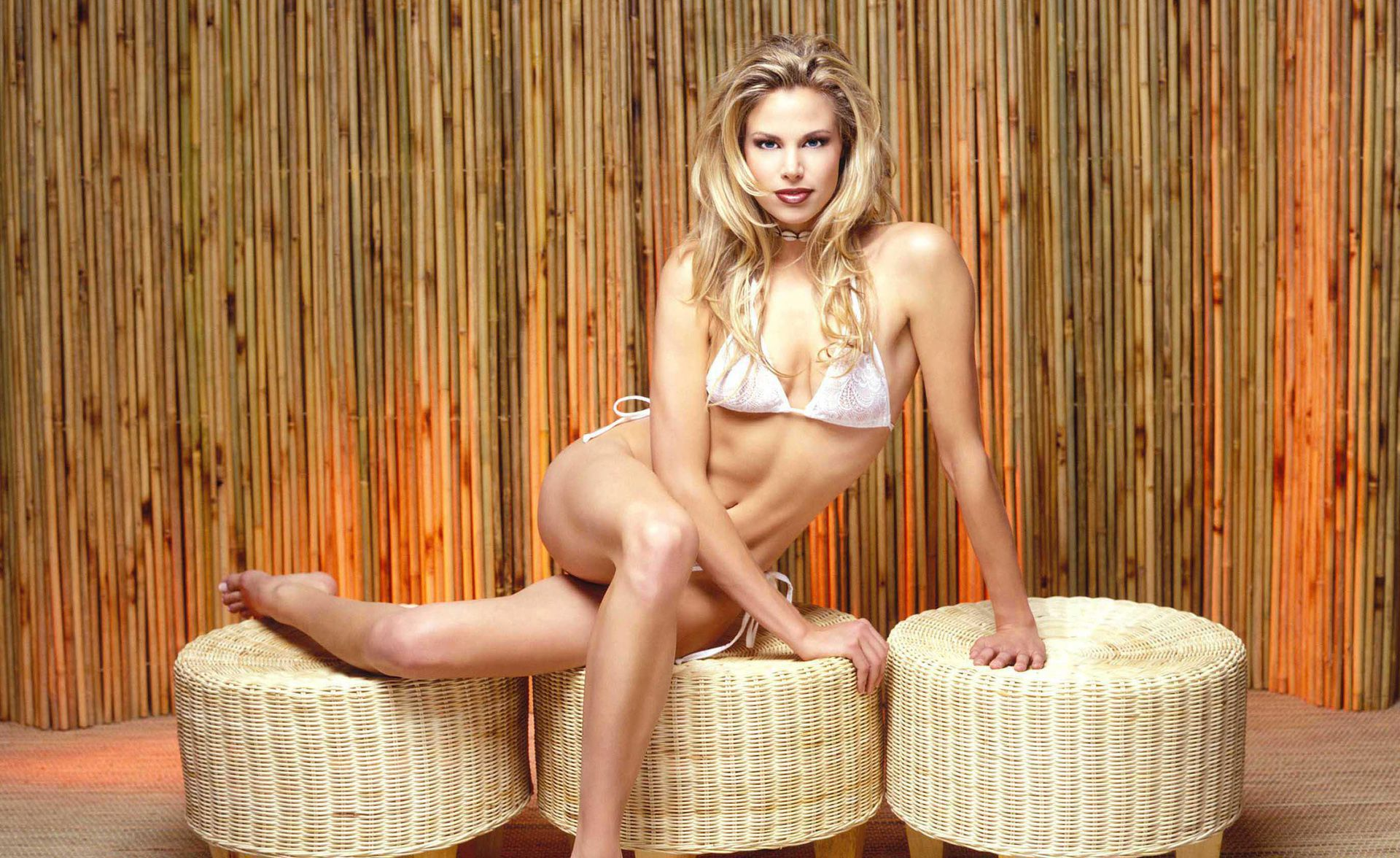 Brooke Burns Wallpaper Pack