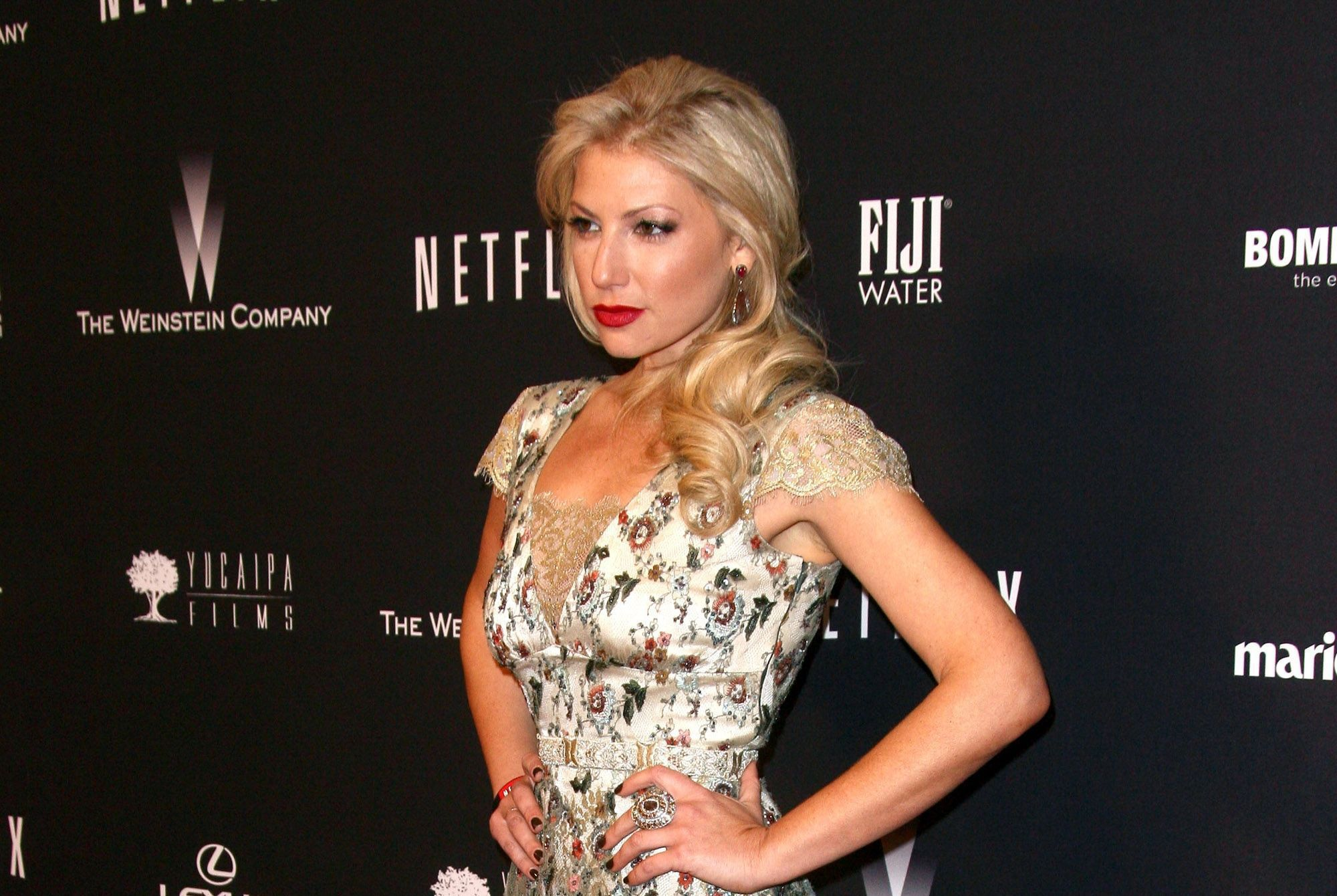 Ari Graynor Wallpapers HD