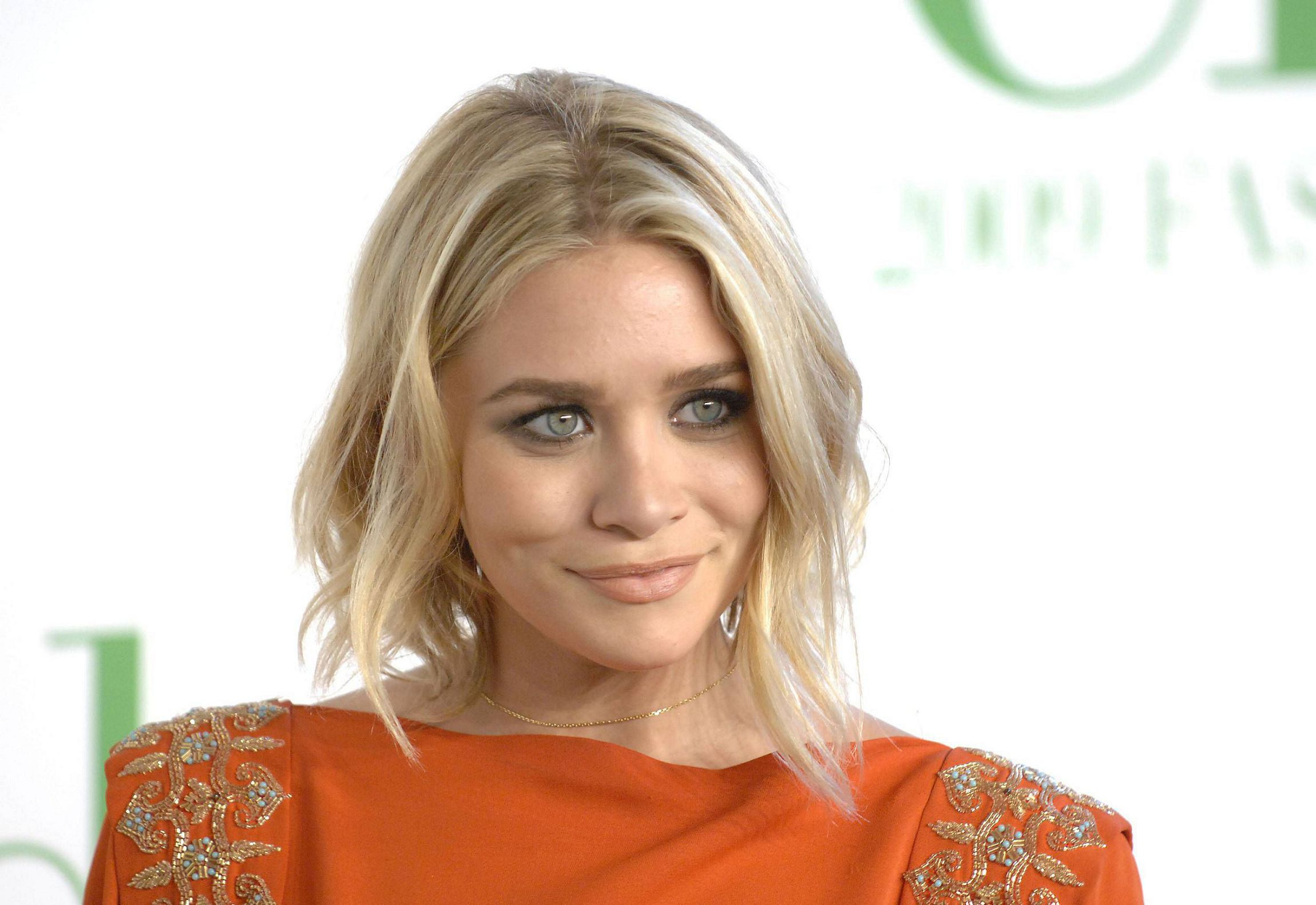 Ashley Olsen HD Background