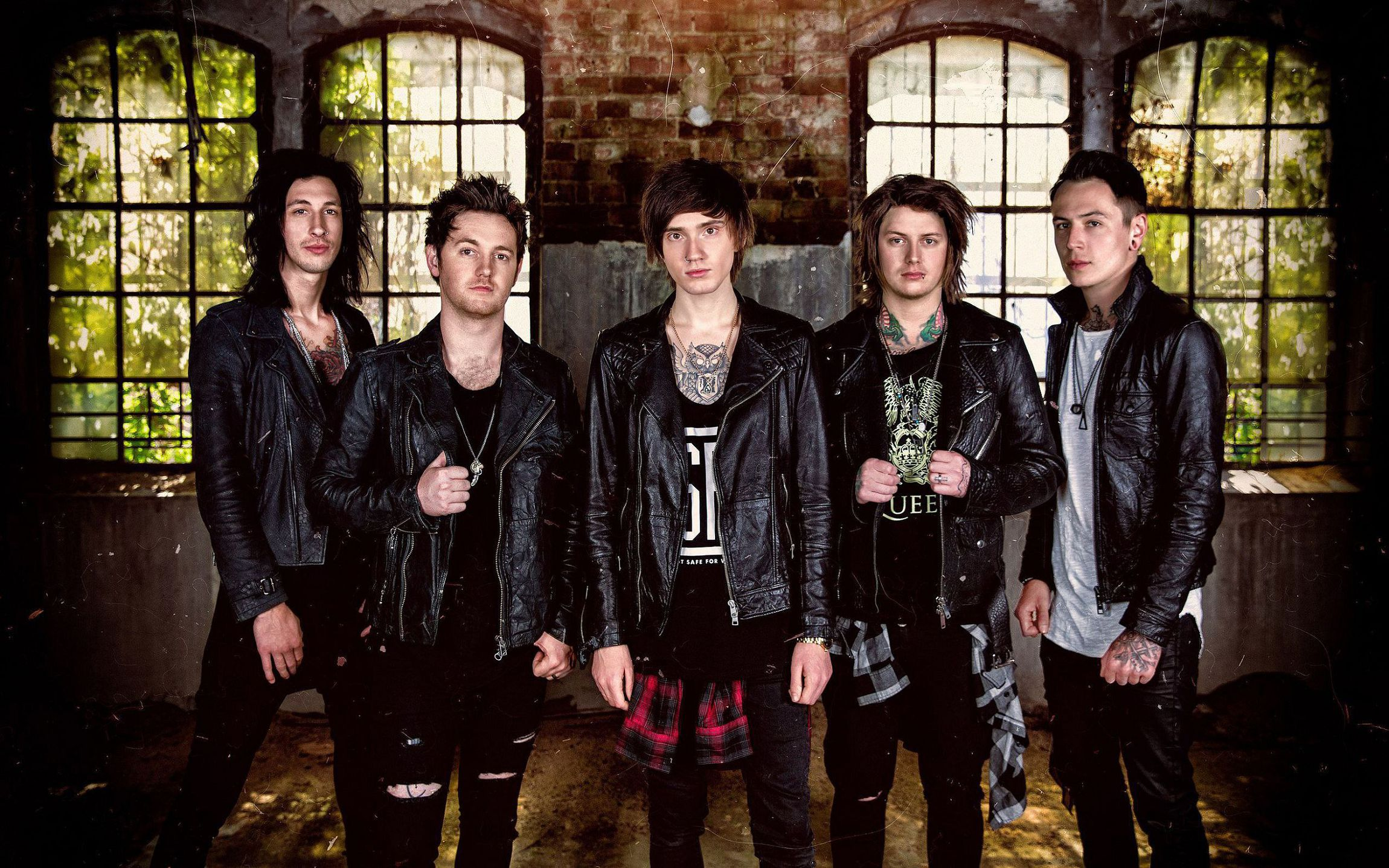 Asking Alexandria In High Resolution