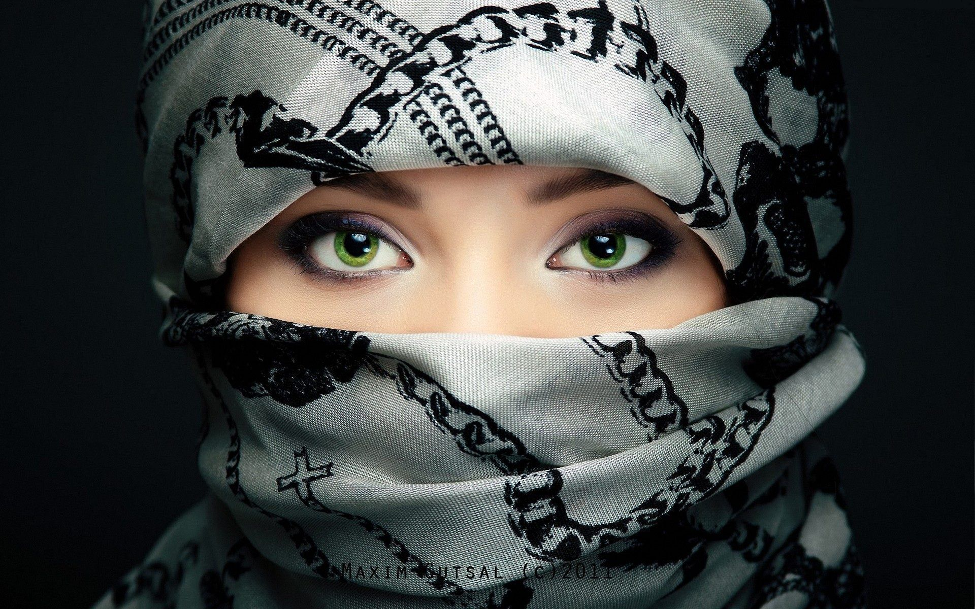 Picture Arab Girl