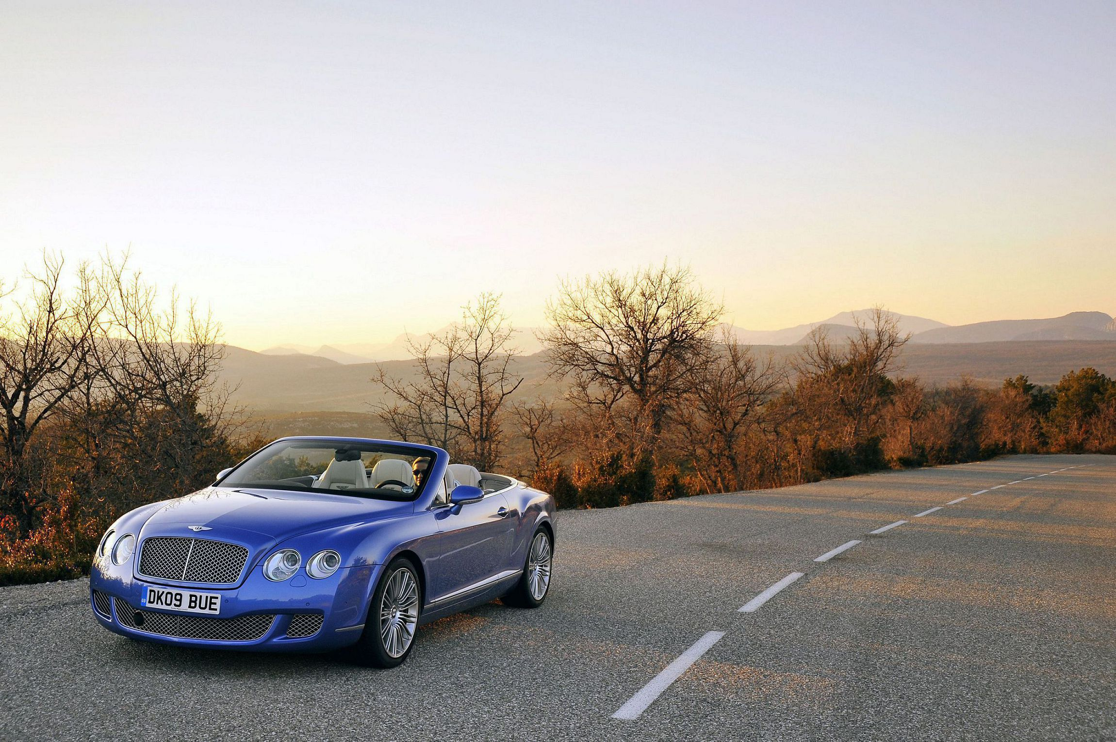 Wide Bentley Continental Gt