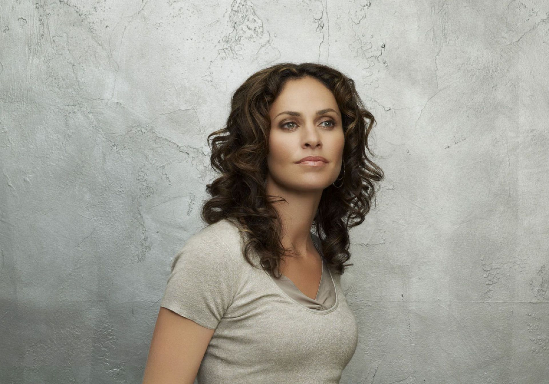 Amy Brenneman Wallpapers