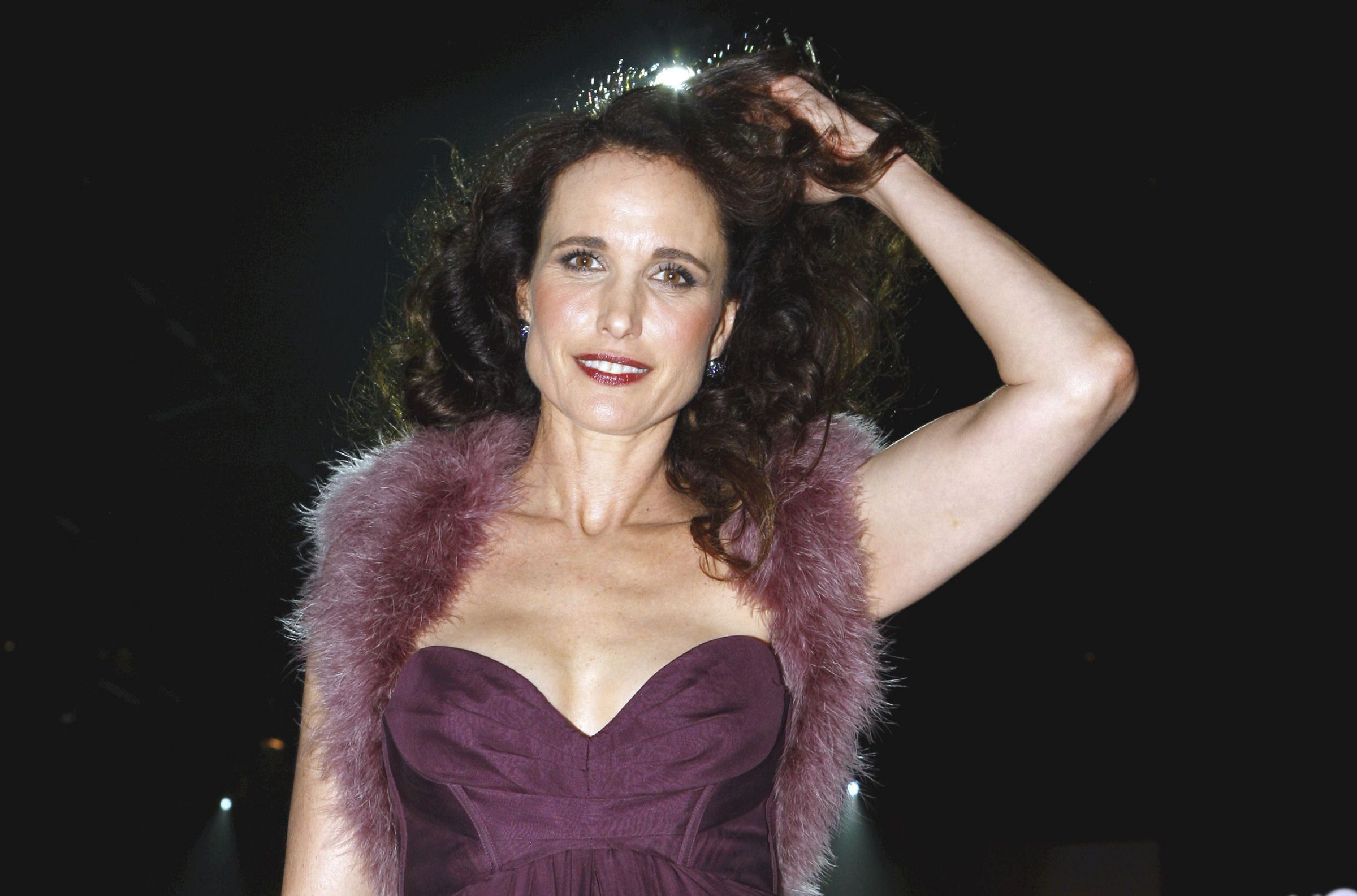 Andie Macdowell Wallpaper