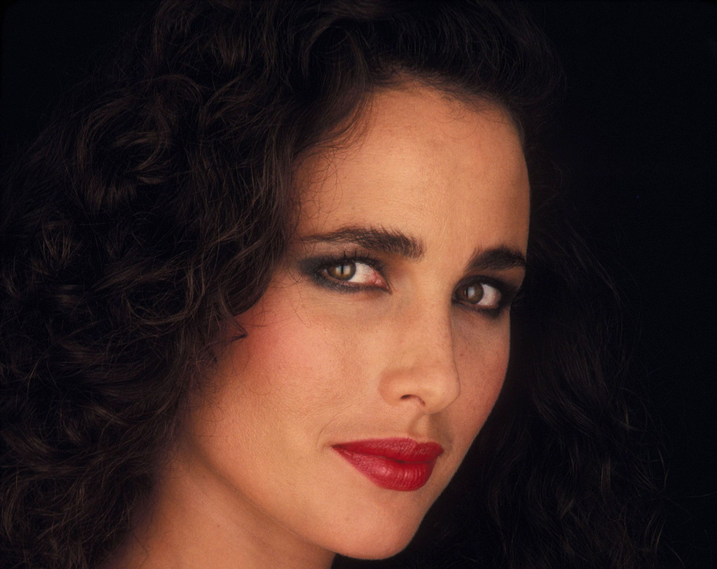 Andie Macdowell In High Resolution