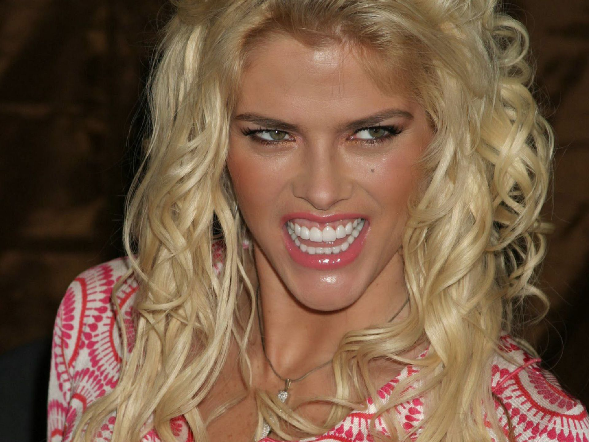 Anna Nicole Smith Wallpaper Pack